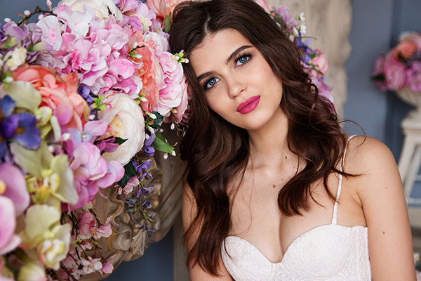 Tips on how to keep your wedding makeup fresh for the whole day.