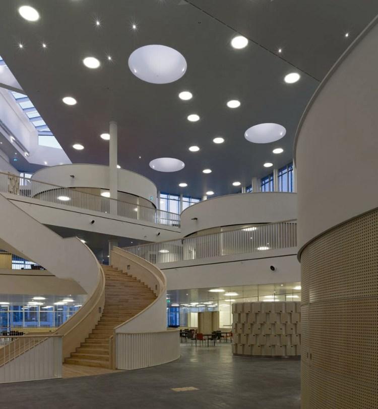 3XN-orestad-college-designboom-01