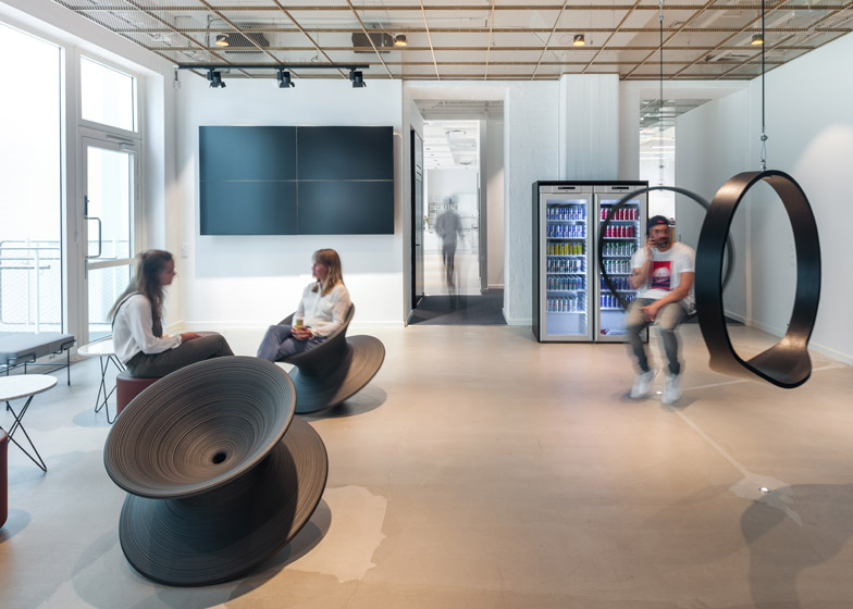 Red-Bull-offices_pS-arkitektur-_dezeen_784_2
