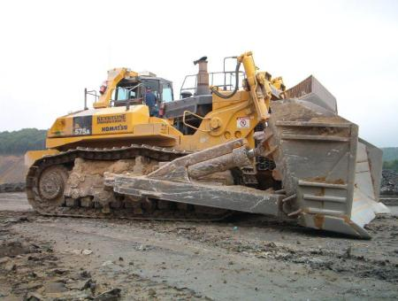Engins de chantier - Komatsu D575A