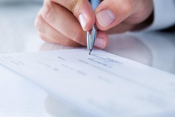 Un cheque rechazado por el banco por falta de fondos habilita el pedido de quiebra