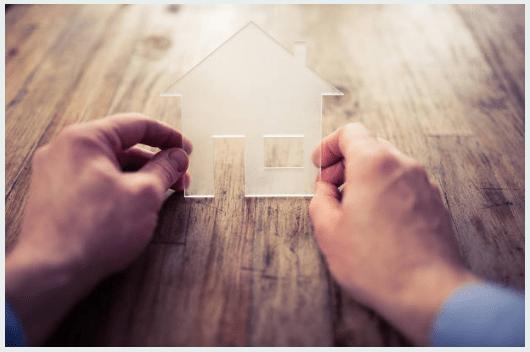 La sala F de la Cámara Nacional Comercial dispuso la inembargabilidad de un inmueble adquirido mediante un crédito hipotecario nacional, al quedar comprendido el mismo por el art. 35 de la ley 22.232, siendo inembargable e inejecutable aun cuando el préstamo bancario haya sido cancelado.