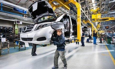 La producción de vehículos cae más de un treinta por ciento en España