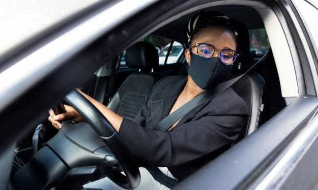 ¿Hay que llevar siempre puesta la mascarilla en el coche?