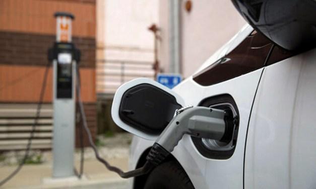 Las ventas de vehículos electrificados, híbridos y de gas aumentan un 107% en marzo respecto a 2019