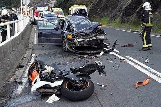 Accidente tráfico en carretera convencional