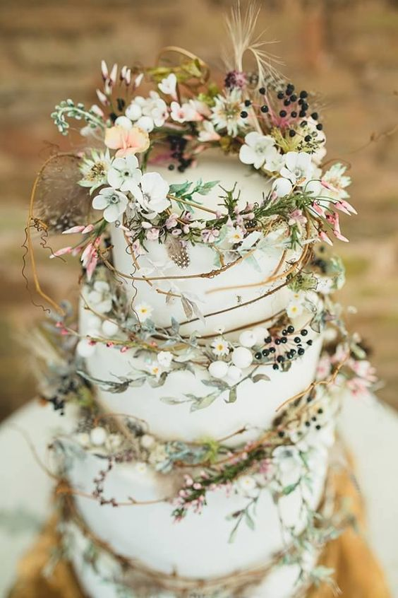 Rustic Wedding Cakes for your fall wedding.
