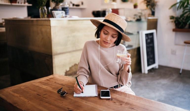 Hire a freelance columnist with Eventeus.com
