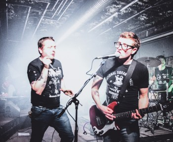 Hire music bands for your events with Eventeus!