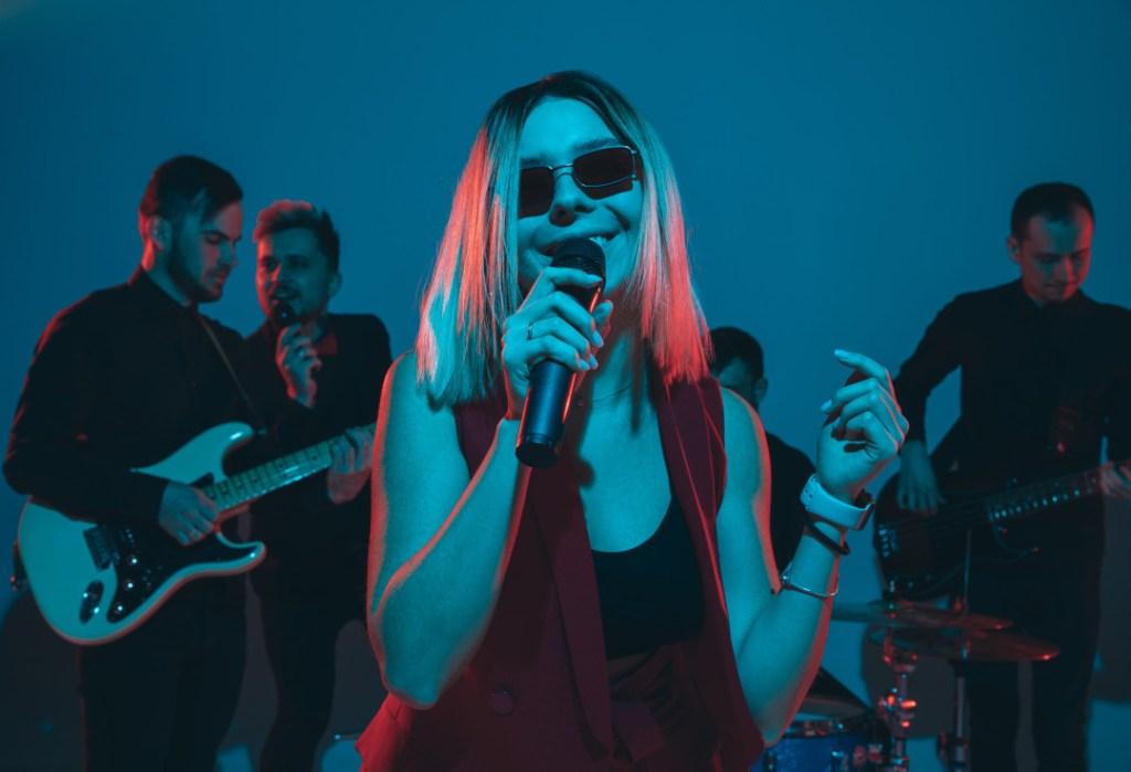 background singer