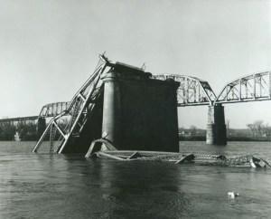 Silver_Bridge,_1928