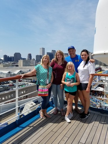 Global Connections travel agent Nancy P. and family.