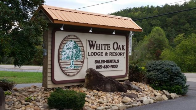 exterior signage at White Oak Lodge and Resort in Tennessee