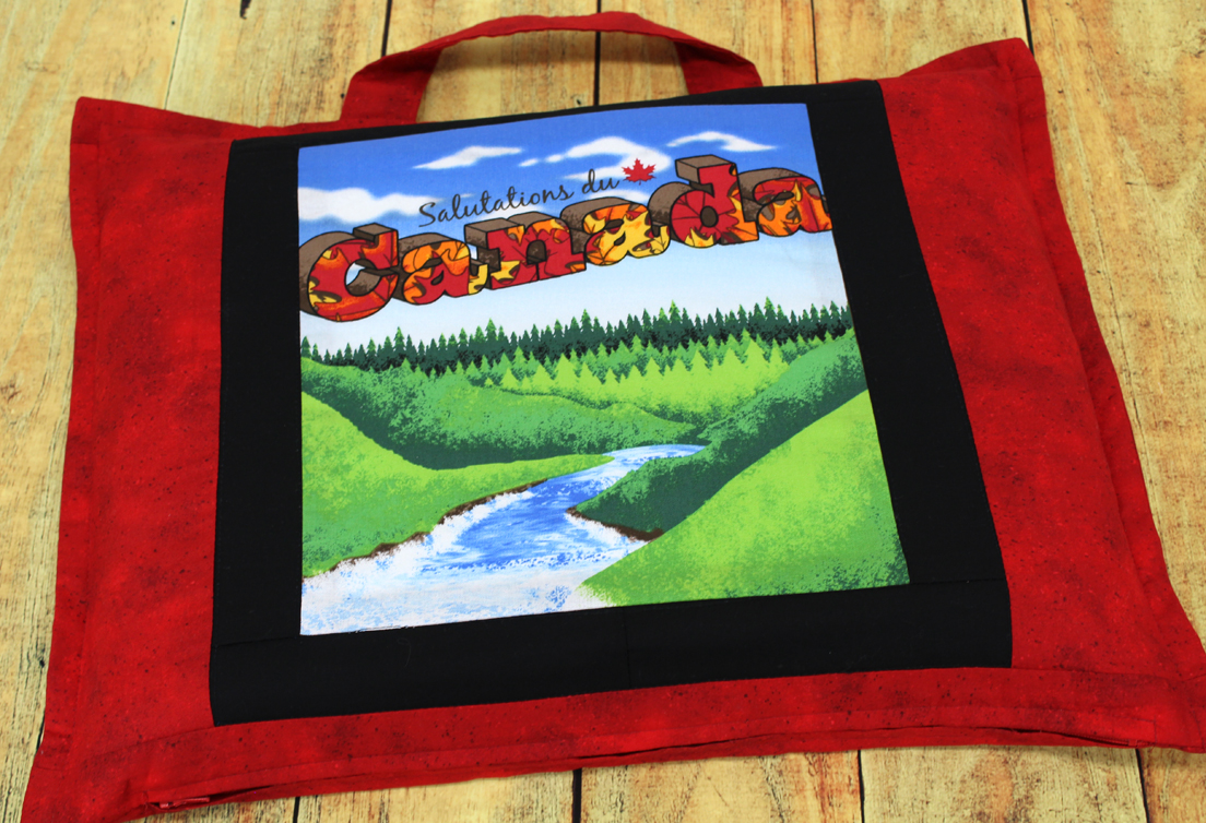 Carrying bag for Canada Postcard quilt