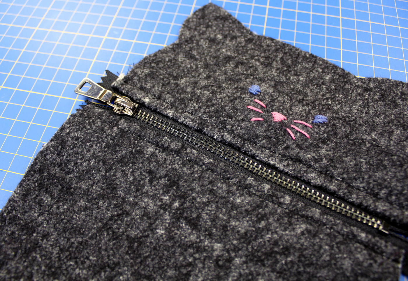 photo of final zipper placement with topstitching for kitty case