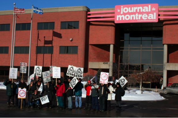 Locked-out workers picked outside the Journal de Montréal on Tuesday