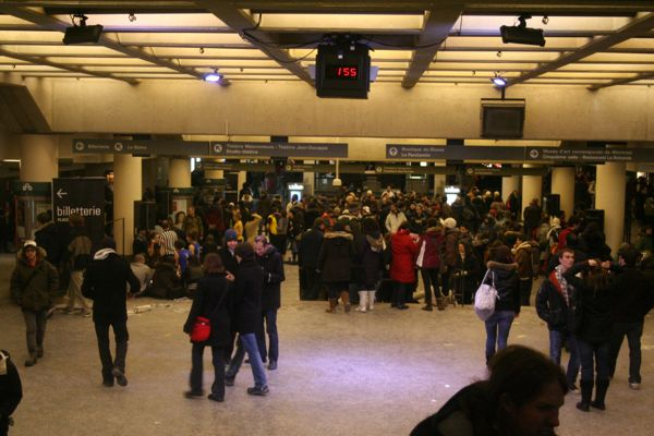 Place des Arts is filled with activity just before 2am