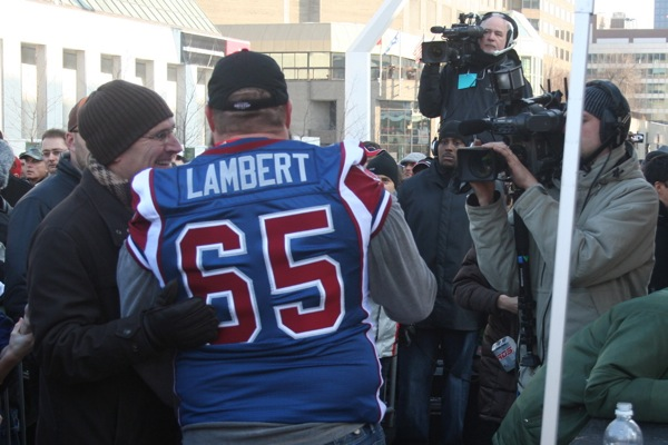 Wilde interviews Paul Lambert moments before he goes on stage. Lambert's a Montreal-born anglo so naturally a favourite of the CFCF crew.