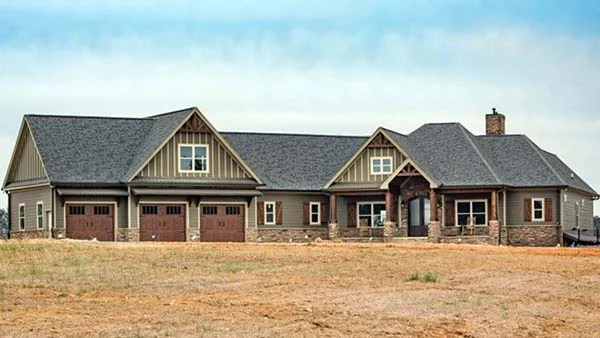 3204 SQ FT Craftsman House Plan With Photos