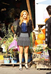 Bella Thorne Candies flowers (4)