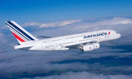 3 petits monstres prennent l'avion et pourquoi Air France a une bonne relation de marque