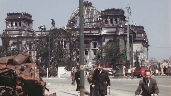 Second World War — Consequences of the bombing of Berlin_2-months_after_the_war