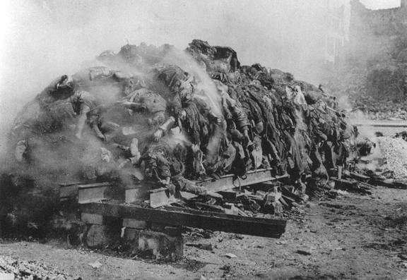Dresden_bombing_burning corpses