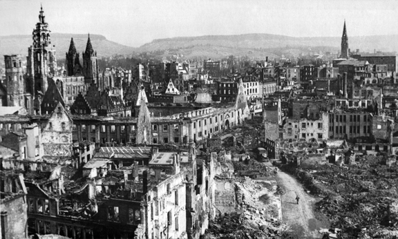 Heilbronn_bombing_1945_US_Army_retouched-2
