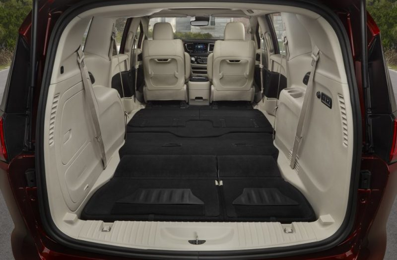 Minivan Monday No Other Measures Up To The 2017 Chrysler Pacifica S Cargo E Fca North America Corporate Blog