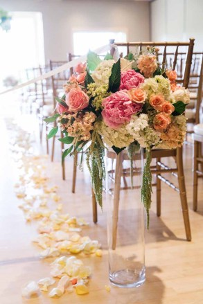 20Flora-Nova-Design-elegant-garden-wedding-seattle