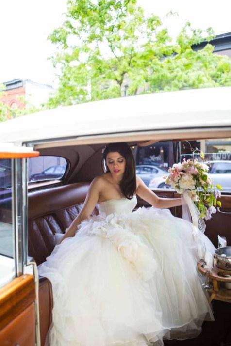 08Flora-Nova-Design-elegant-outdoor-wedding-seattle