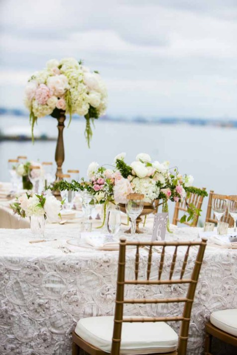 24Flora-Nova-Design-elegant-outdoor-wedding-seattle