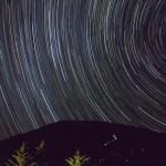 御嶽山に沈む夏の星座と三笠山から昇る冬の星座 ーGR Digital IV