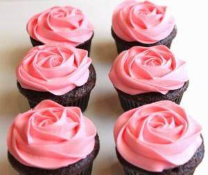 Cómo hacer flores con boquillas y manga pastelera básicas 4