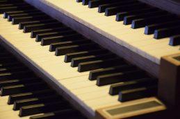 Tasten der Orgel