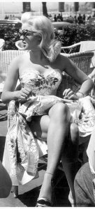 Diana-Dors-at-the-1956-Cannes-Film-Festival
