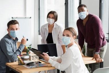 """Coronavirus y teletrabajo: 5 modelos de """"oficina del futuro"""" que están emergiendo gracias a la pandemia"""