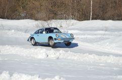 Ancienne Porsche qui décolle
