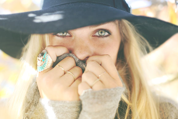 green eyes and turquoise ring