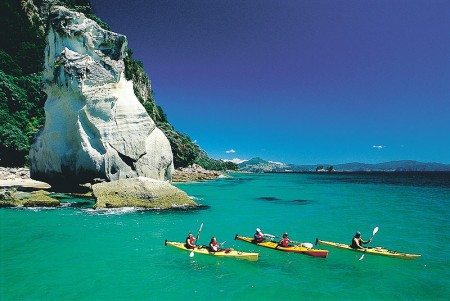 Sea_Kayaking_CathedralCove1
