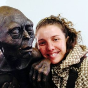 Rachel et la statue de Gollum.