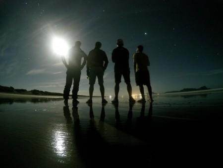 Uretiti beach, avec en fond la ville de Whangarei