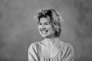 The Go-Between in rehearsal: Issy Van Randwyck