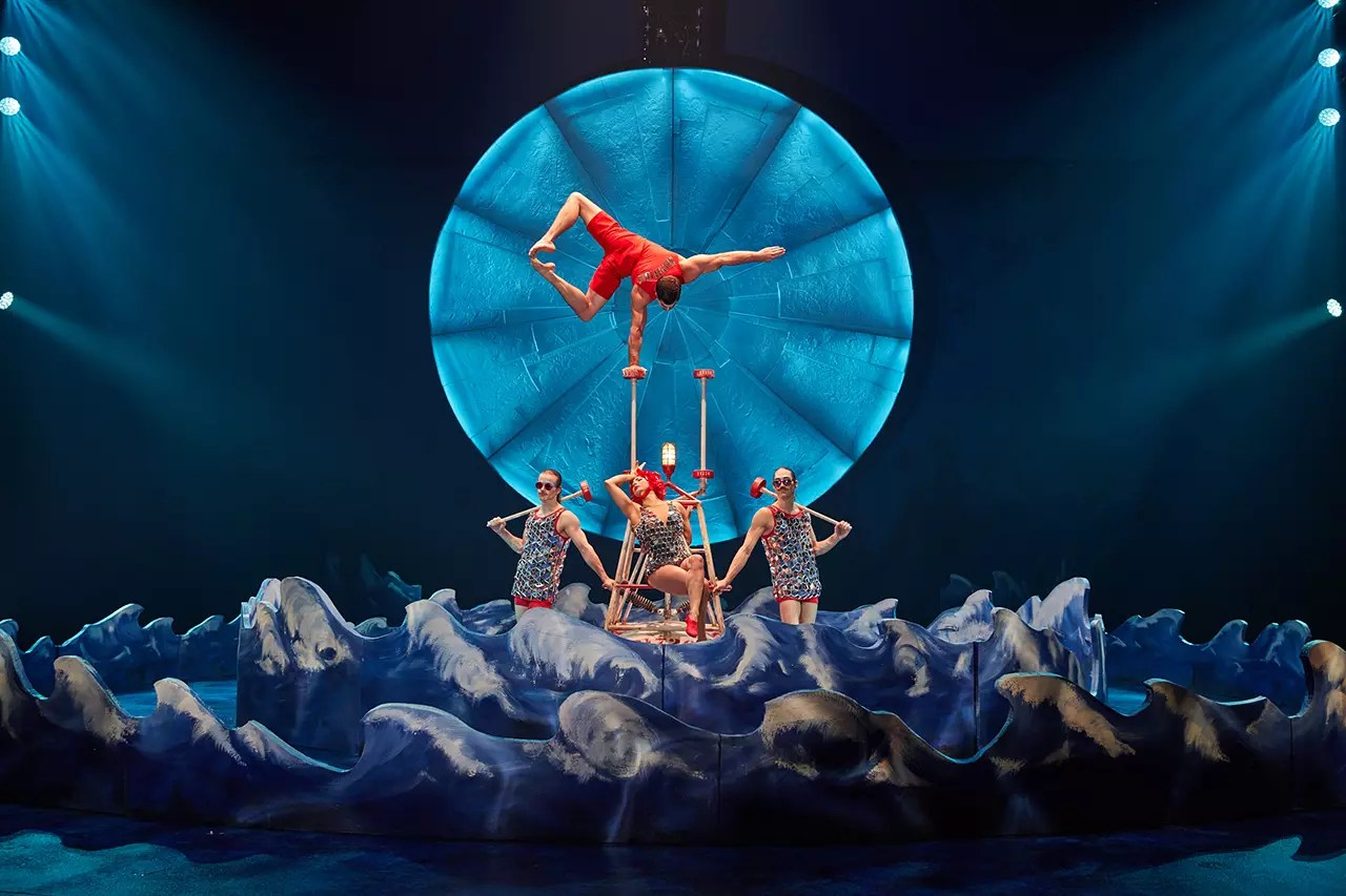production still from Cirque du Soleil's Luzia