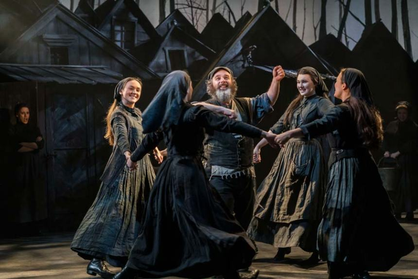 production still from Fiddler on the Roof London