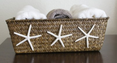 Basket with sea shells decor