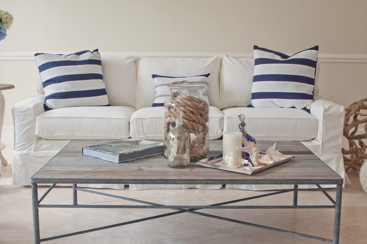 Pottery Barn And Pier 1 Are Great Sources For Furnishings That Fit This  Trend. Nautical Interior Design