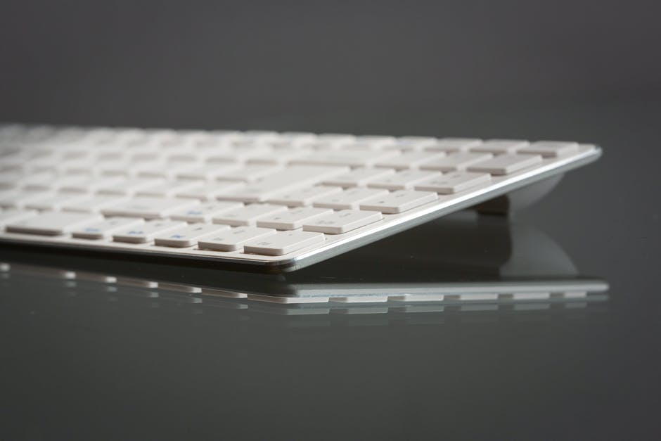 how to clean computer keyboard
