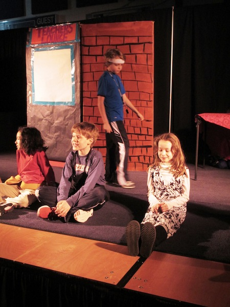 play eleanor, teo, lucas. caroline on stage