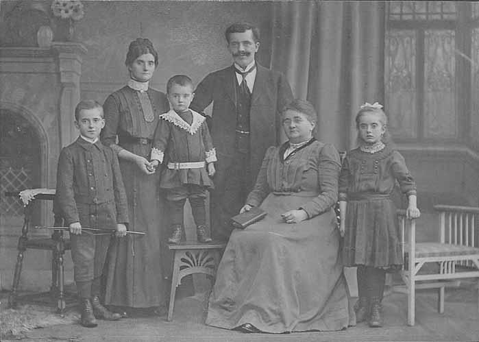 Altes Familienfoto aus der Pfalz